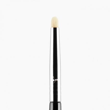 L04 Detailed Lip™ Brush